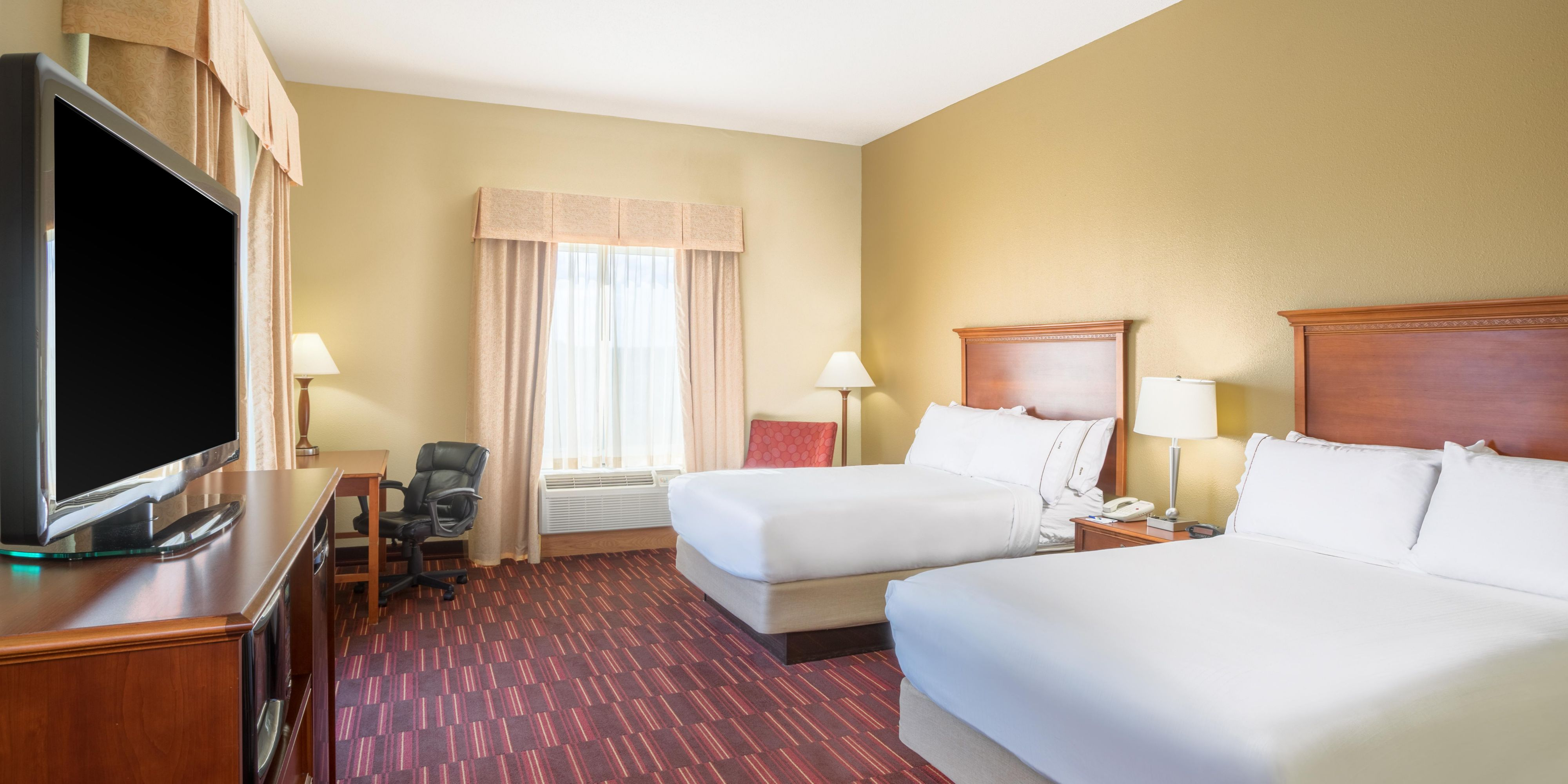 Holiday Inn Express And Suites Woodbridge 4041599413 2x1