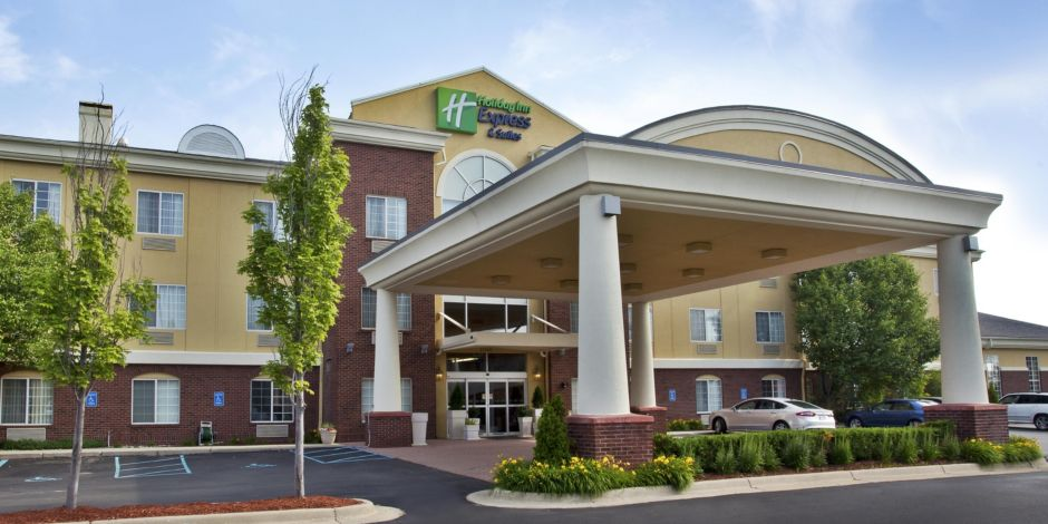 Front Desk Hotel Exterior Holiday Inn Express Woodhaven