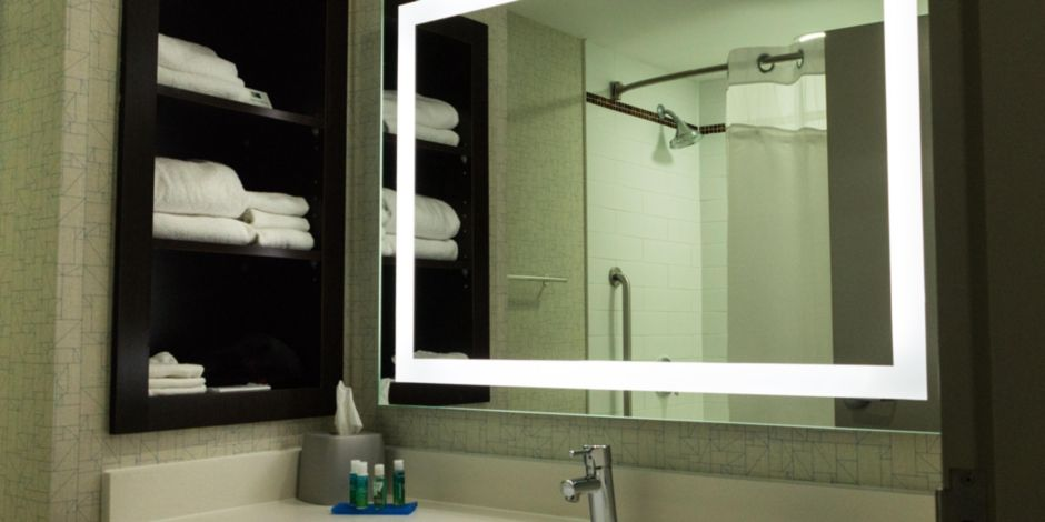 Holiday Inn Express & Suites Woodstock South Hotel by IHG