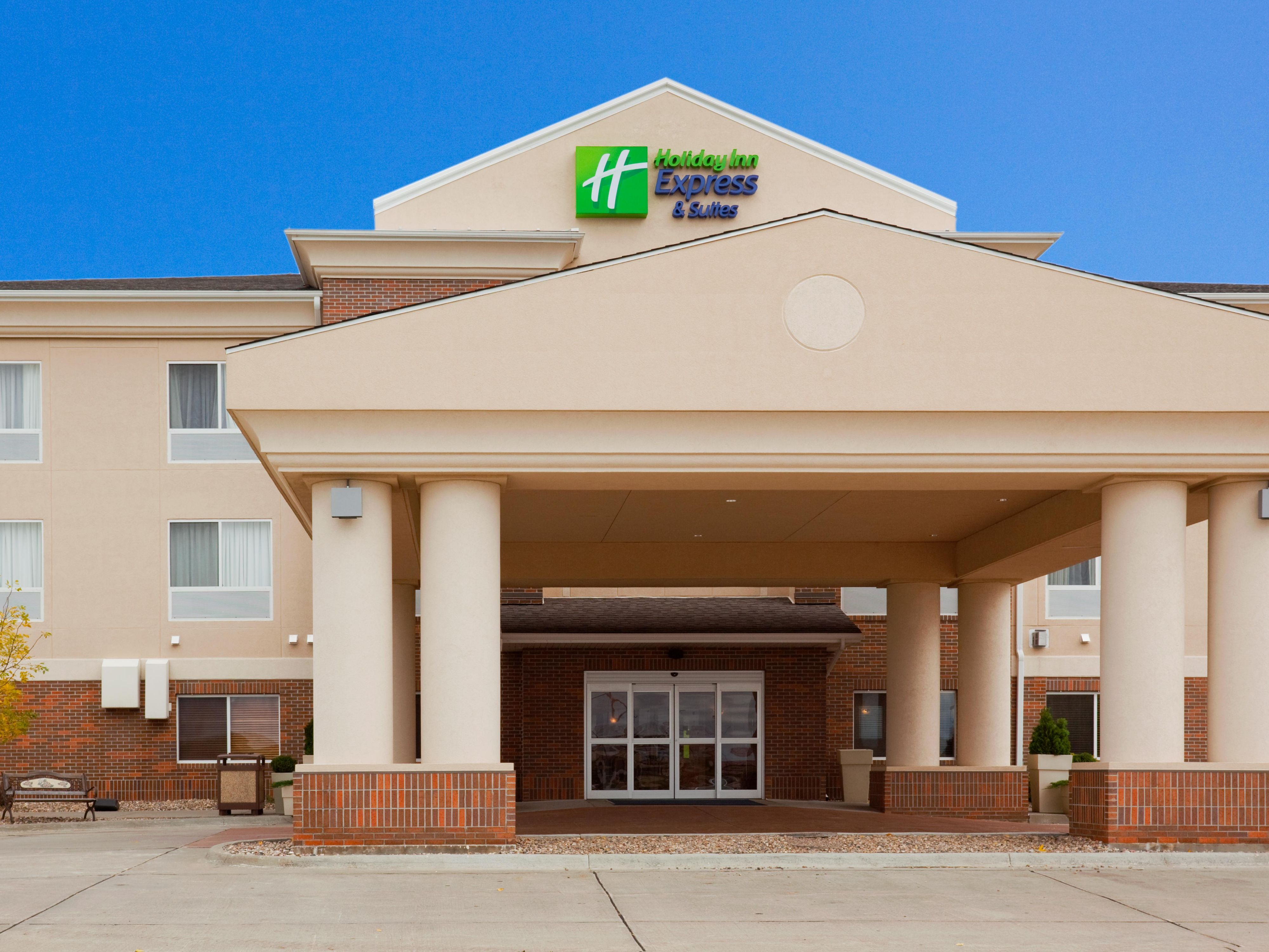 Welcome to the Holiday Inn Express Yankton!