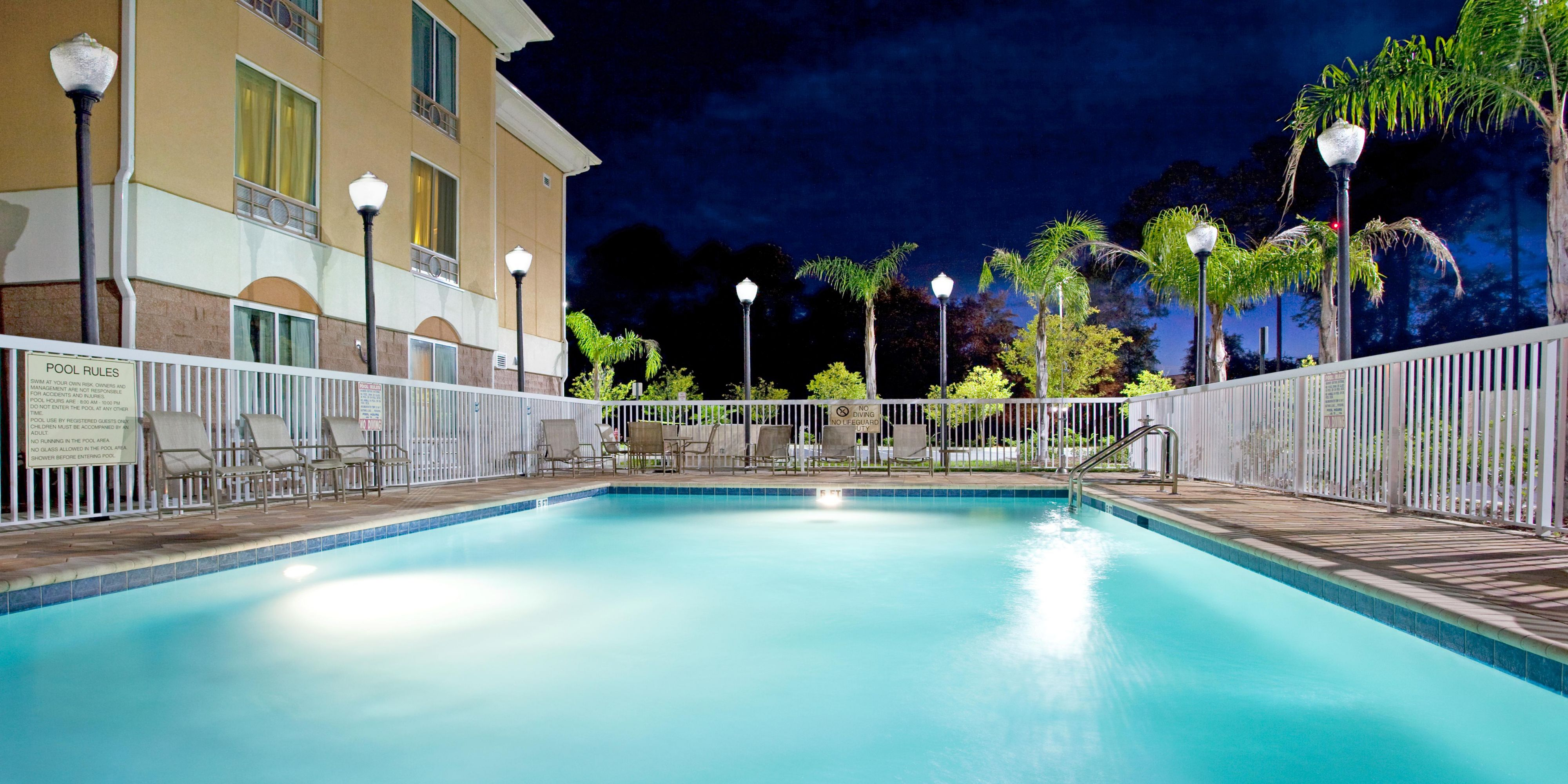 Holiday Inn Express And Suites Yulee 2531685921 2x1