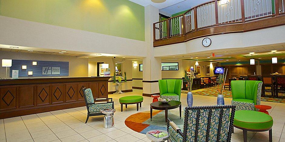 Hotels Near Emory University And Downtown Atlanta | Holiday