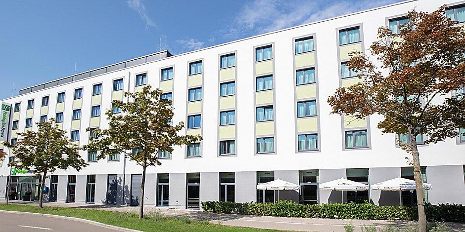 Hotels In Augsburg Innenstadt Holiday Inn Express Augsburg