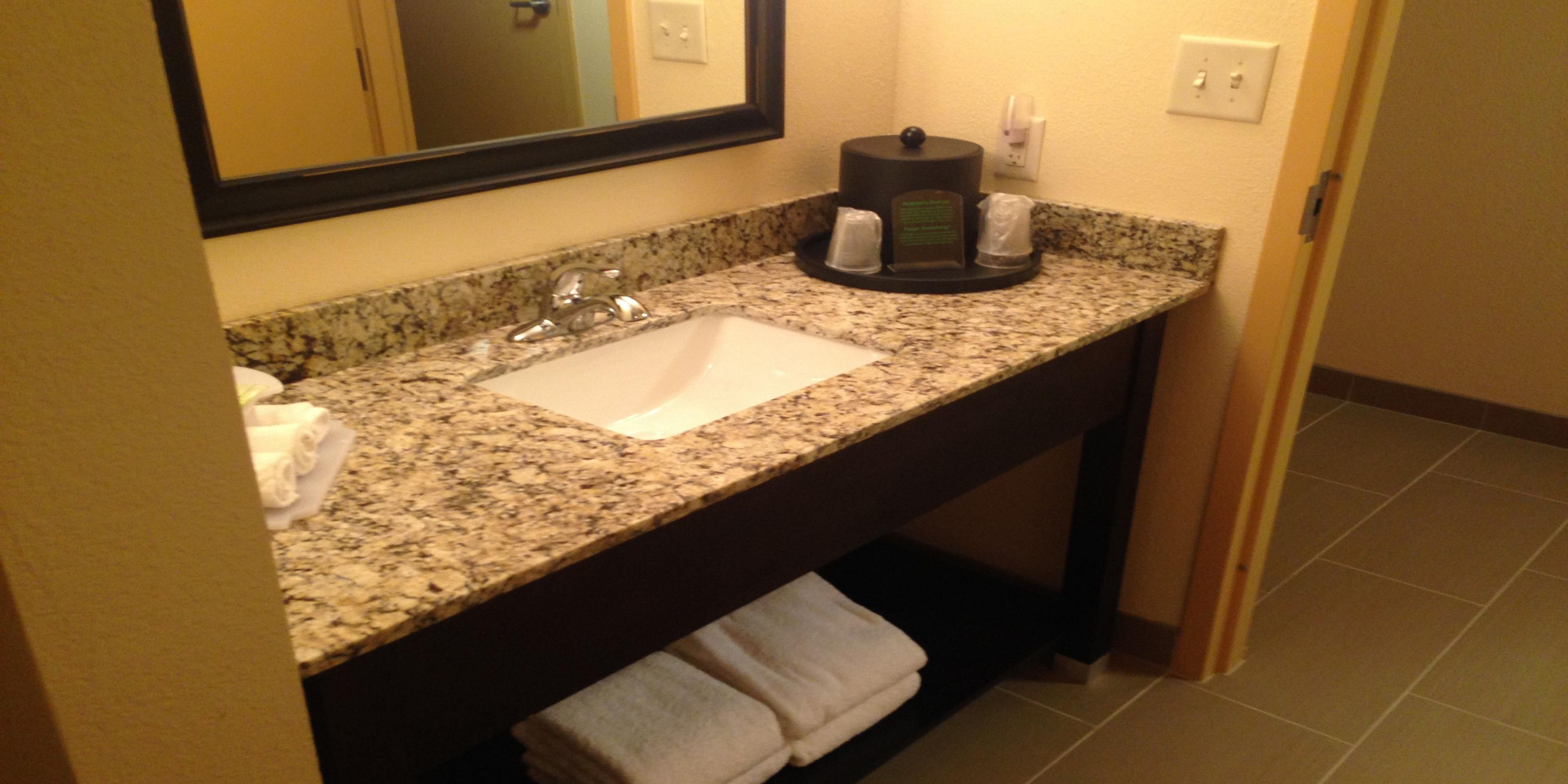 ... Guest Bathroom ...