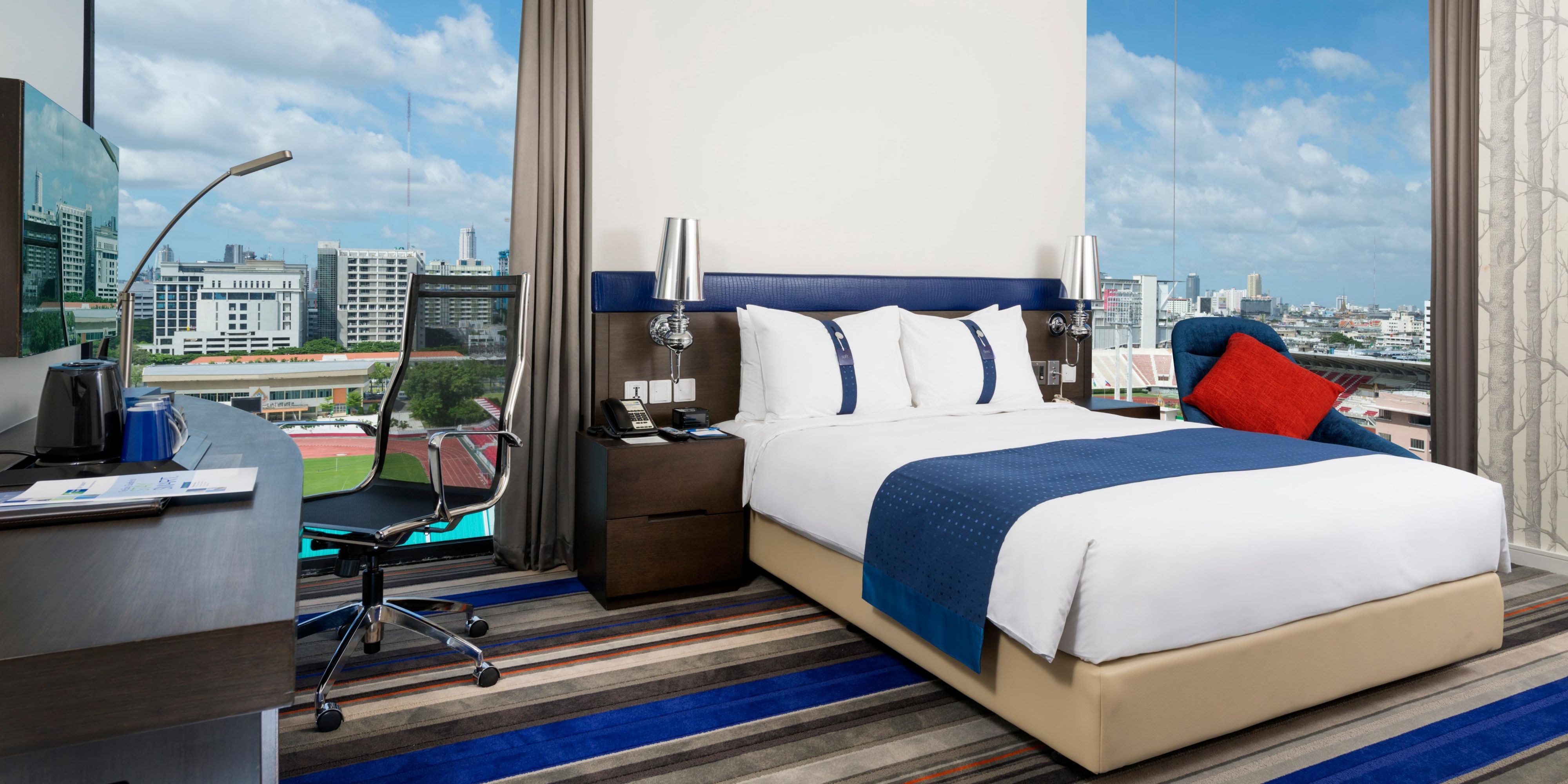 holiday-inn-express-bangkok-2532999032-2x1