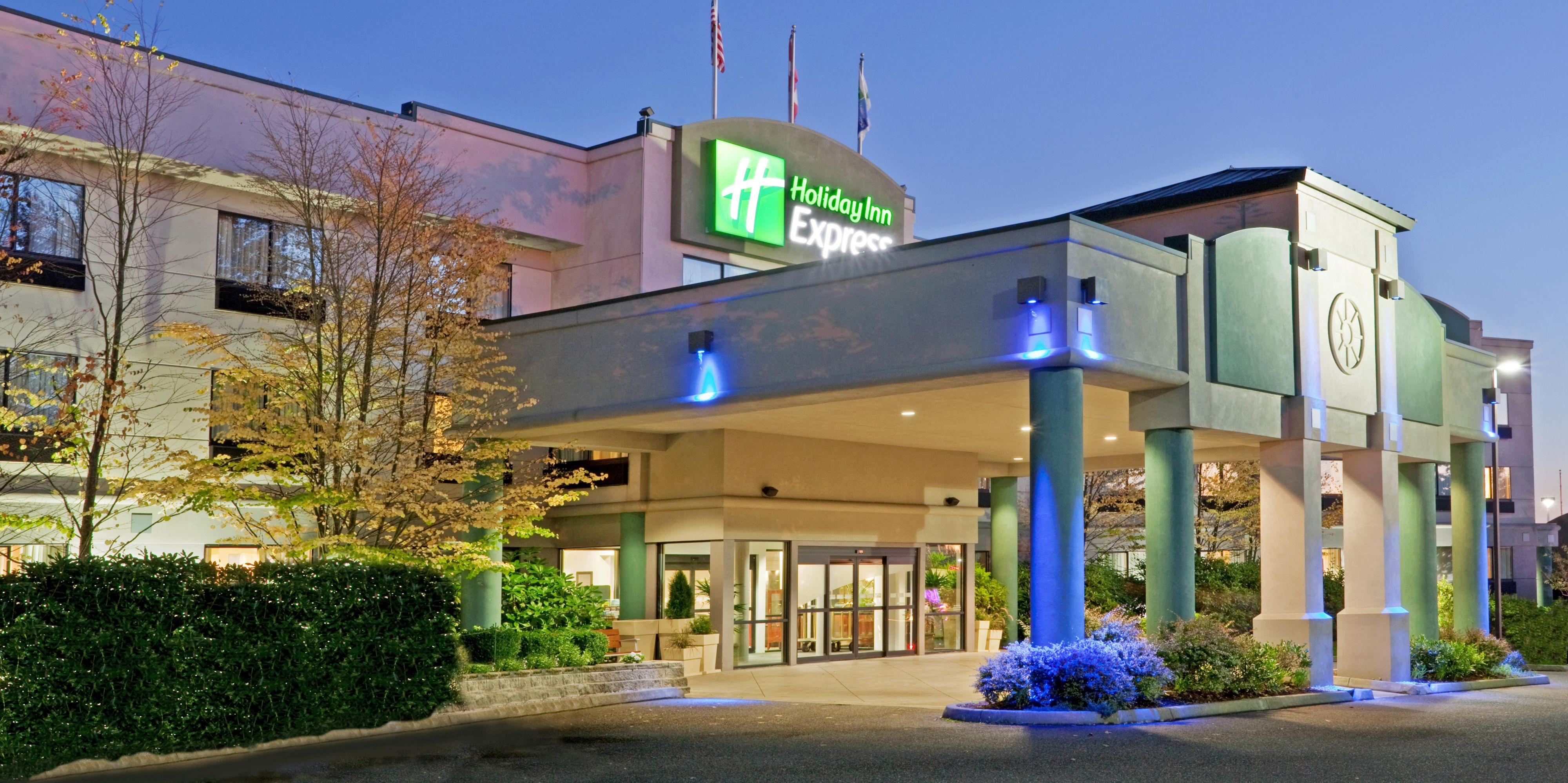 Holiday Inn Express Bellingham 4223840245 2x1