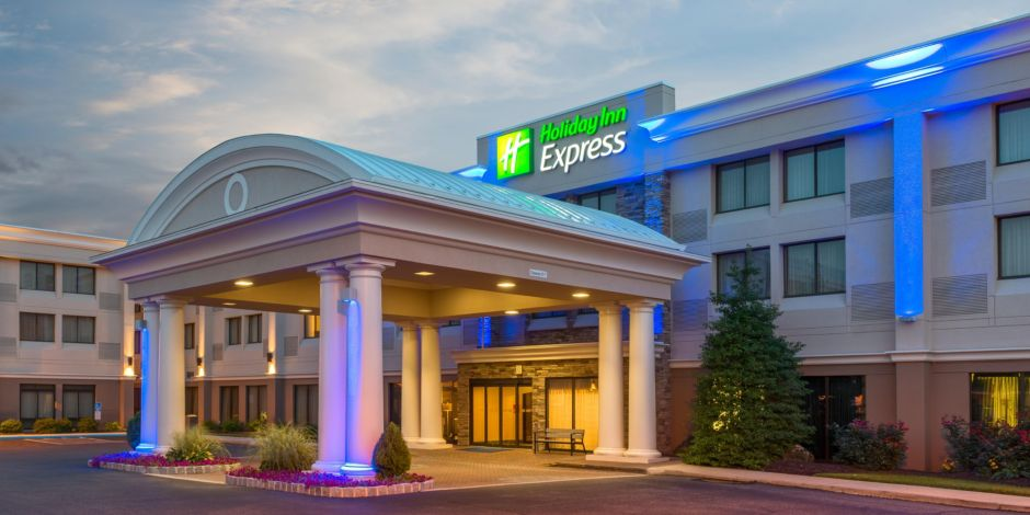 Welcome To The Holiday Inn Express Philadelphia Ne Benm Pa
