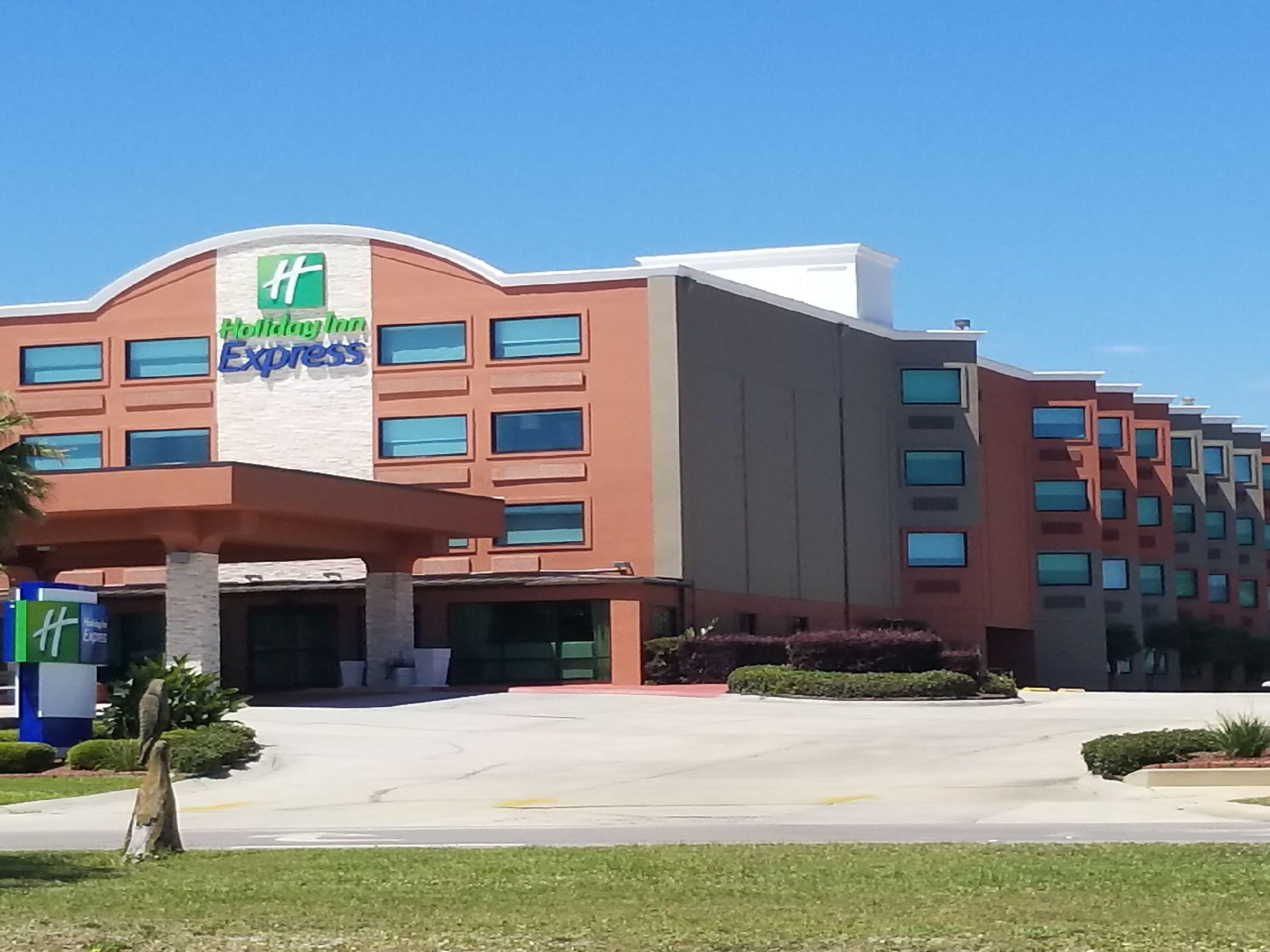 Hotels In Biloxi Ms On The Beach Holiday Inn Express Biloxi