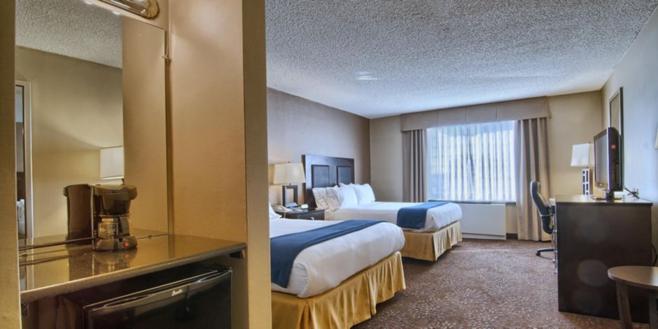 Birmingham Mi Zip Code Map.Holiday Inn Express Detroit Birmingham Hotel By Ihg