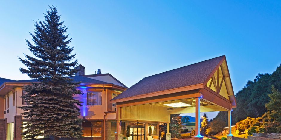 Our Hotel Fits Right In With The Beautiful Local Ski Resorts
