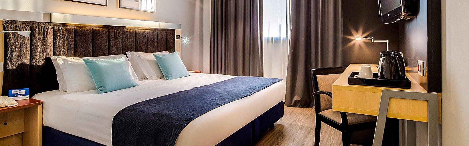 Letto Matrimoniale A Bologna.Holiday Inn Bologna Hotels Holiday Inn Express Bologna Fiera