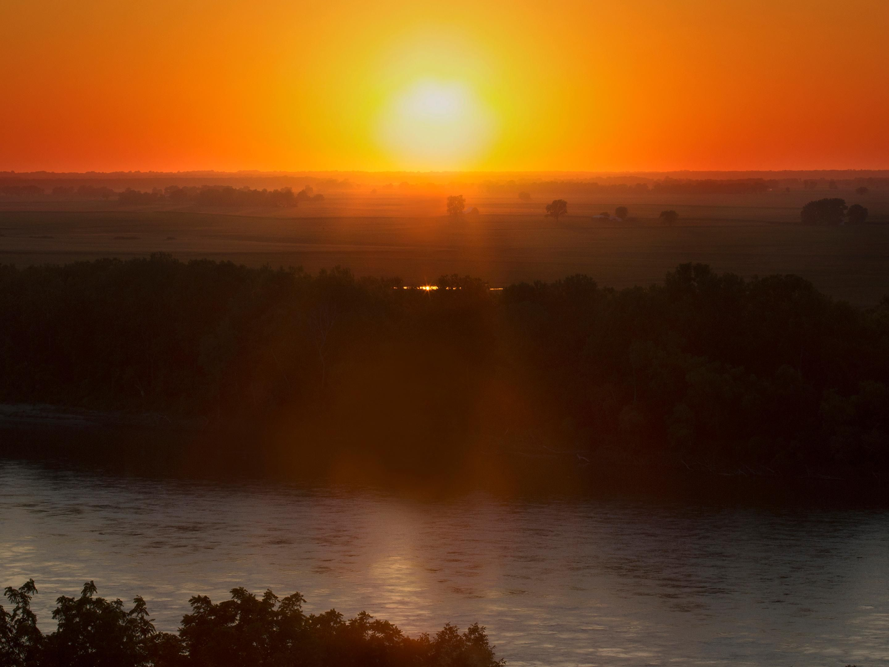 Area Attraction:MoRiver Sunset From Harley Park,Boonville