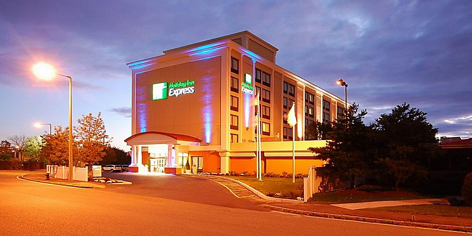 Hotels In Boston >> Hotels Near Boston Convention Center In South Boston Holiday Inn