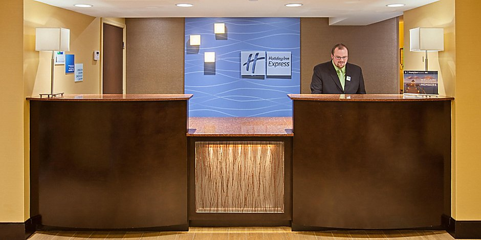 Surprising Holiday Inn Express Bowling Green Hotel By Ihg Download Free Architecture Designs Viewormadebymaigaardcom
