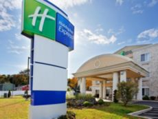 Holiday Inn Express Branford-New Haven in Southbury, Connecticut