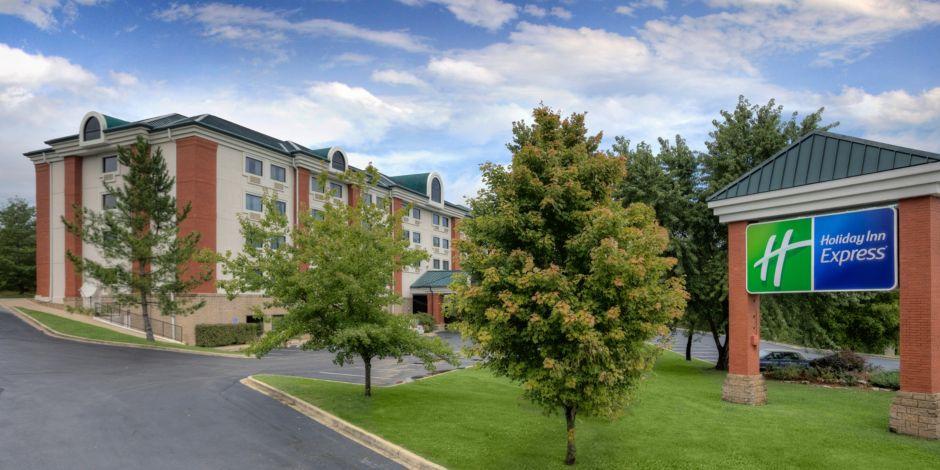Holiday Inn Express BransonGreen Mountain Drive Hotel By IHG - Branson missouri casinos map