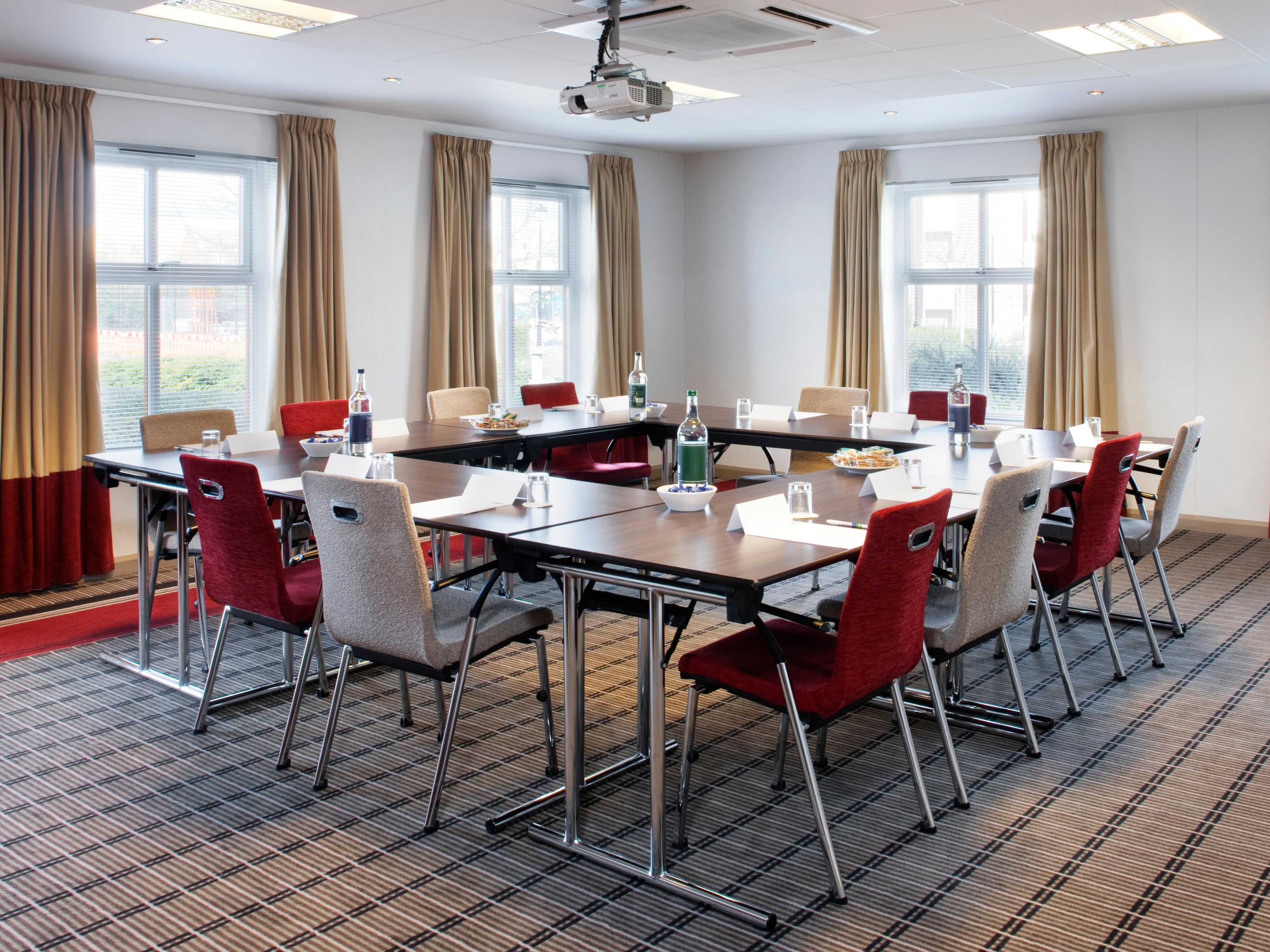 Holiday Inn Express Bristol North's meeting room facilities