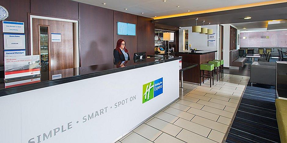 Holiday Inn Express Cambridge-Duxford M11, Junction 10