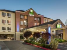 Holiday Inn Express Castro Valley in Dublin, California