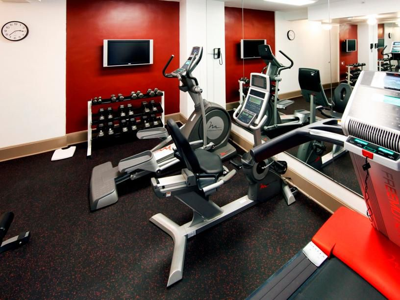 Holiday Inn Express Hotel Cass - Mag Mile Fitness Center