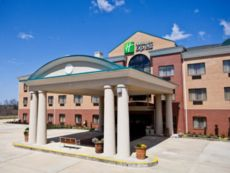 Holiday Inn Express Clanton in Prattville, Alabama