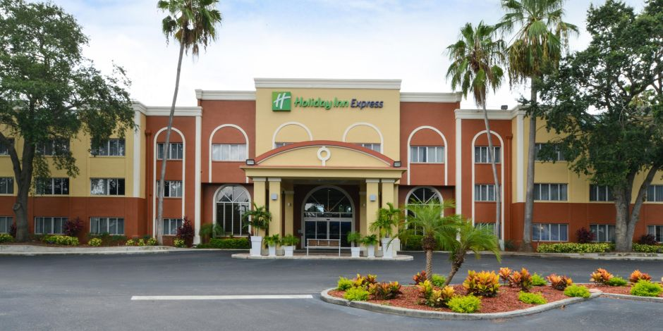 Holiday inn express clearwater east icot center hotel in holiday inn express clearwater east icot center hotel in clearwater by ihg reheart Choice Image