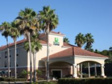 Holiday Inn Express Clermont in Tavares, Florida