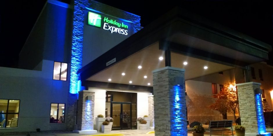 Enjoy Your Stay At The Holiday Inn Express Cloverdale Indiana