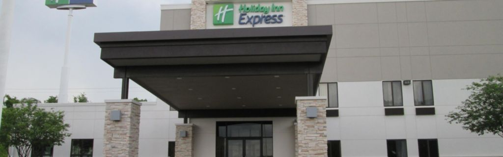 Hotel Exterior Welcome To The Holiday Inn Express Cloverdale Indiana