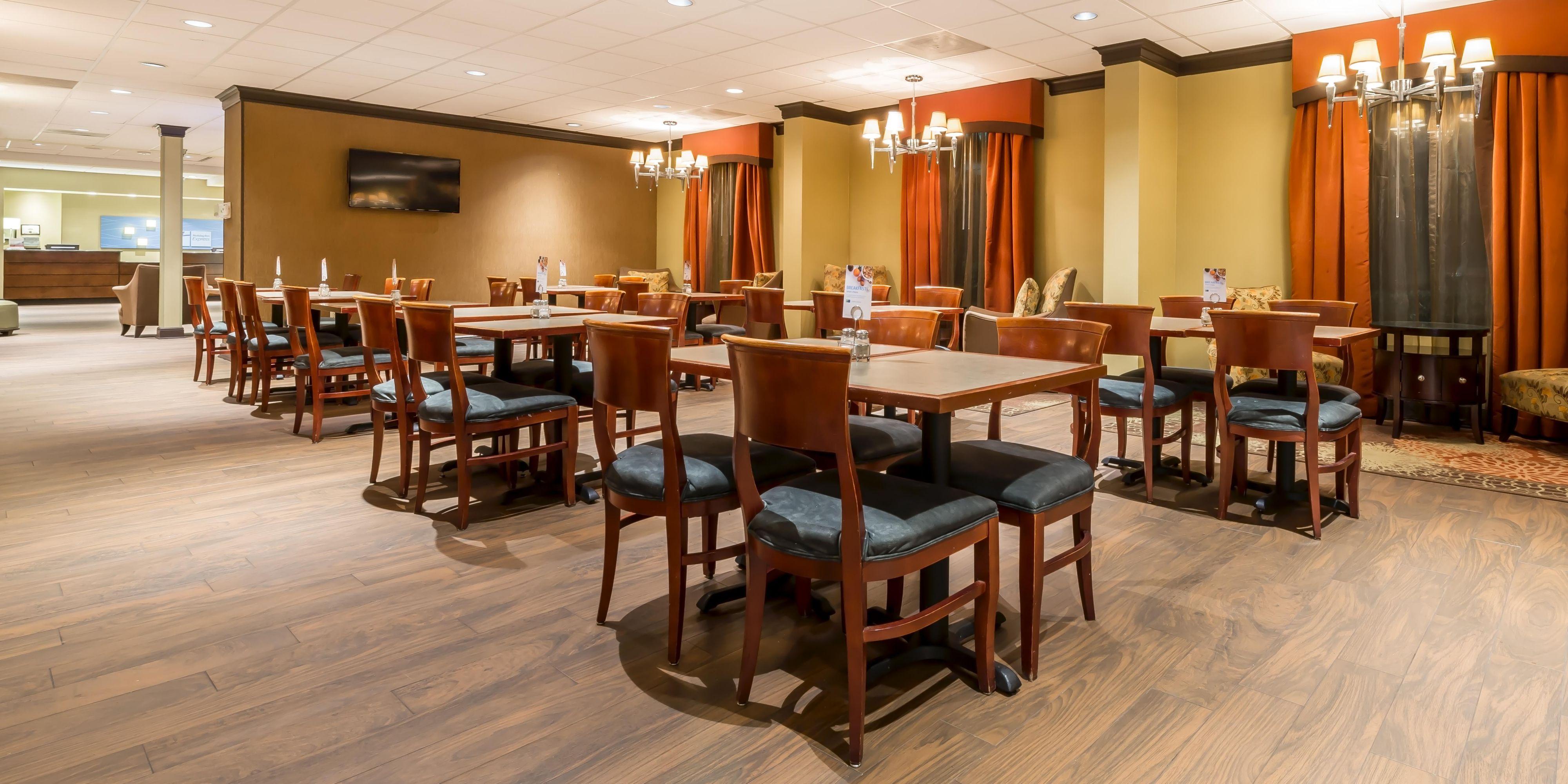 Holiday Inn Express College Park 3901583692 2x1