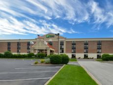 Holiday Inn Express Crestwood in Tinley Park, Illinois