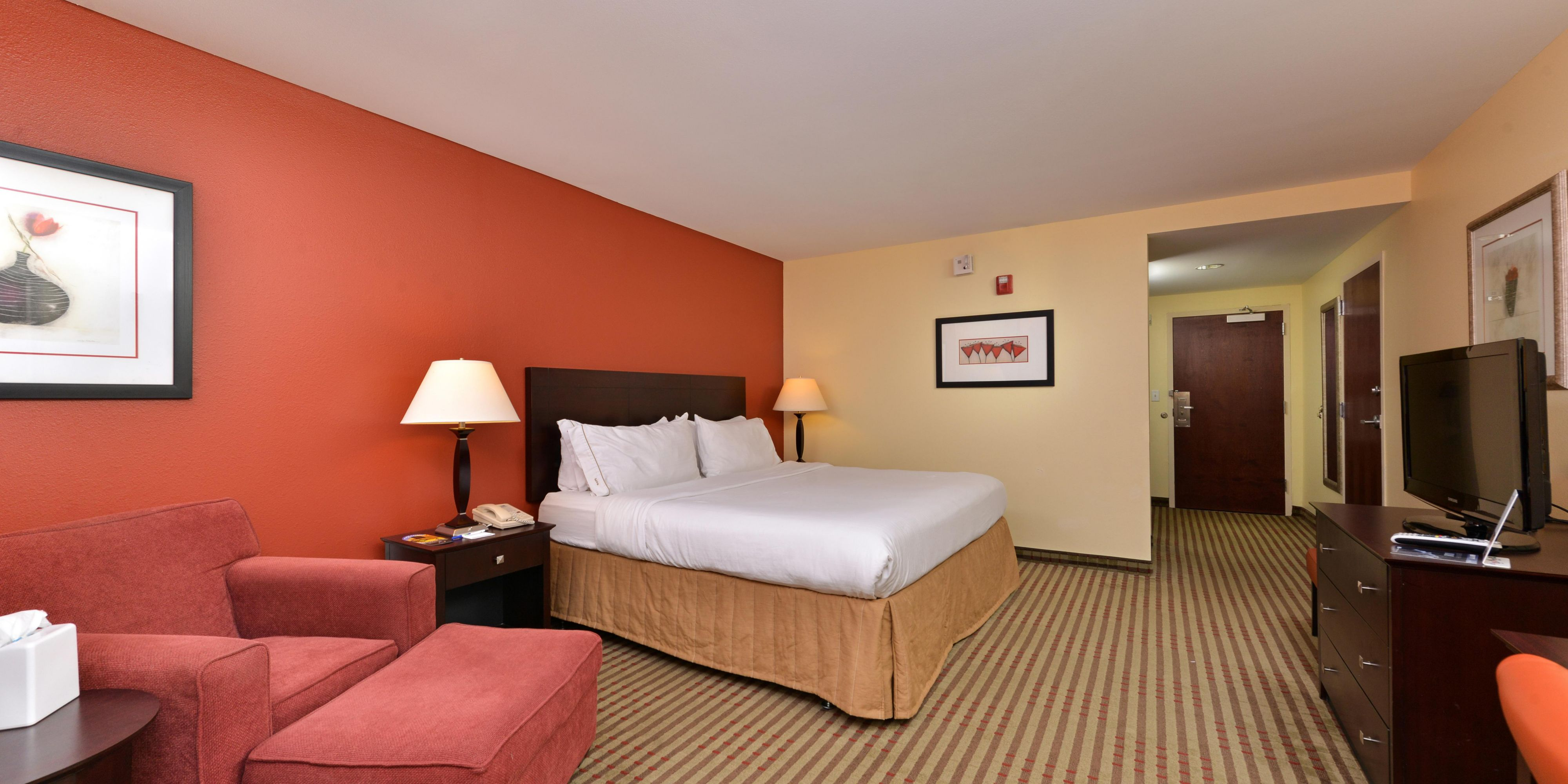 Holiday Inn Express Dayton 4050611540 2x1