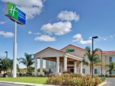 Holiday Inn Express Delano Hwy 99 in Porterville, California