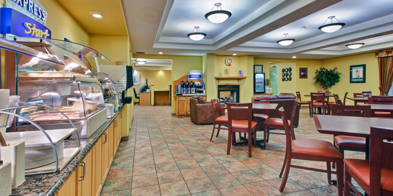 Holiday inn express dryden hotel by ihg holiday inn express dryden 2531796565 2x1 kristyandbryce Gallery