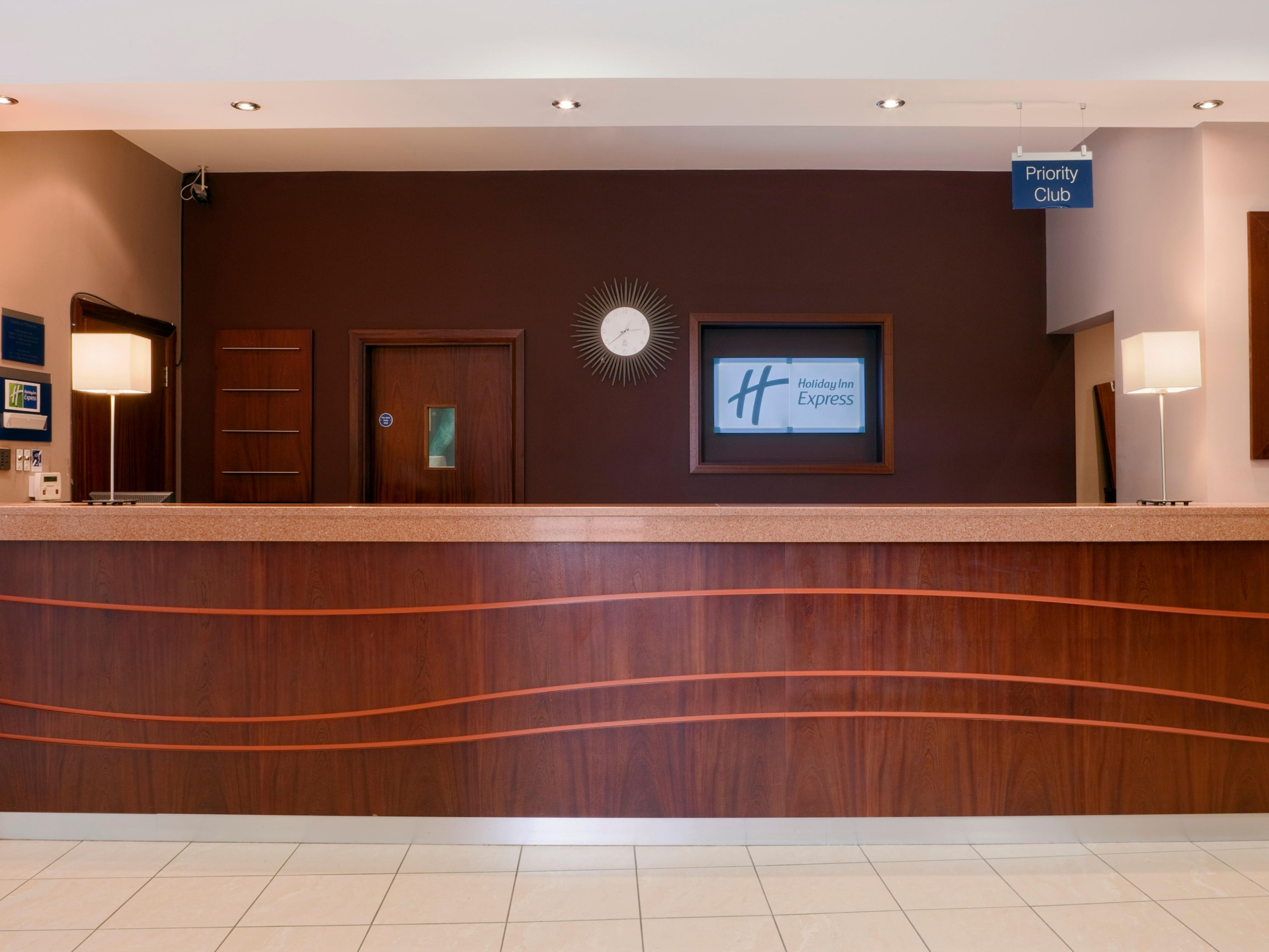 The charming and welcoming reception at Holiday Inn Express