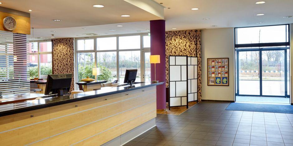 Derendorf & Heinrichstraße Hotel: Holiday Inn Express Düsseldorf ...