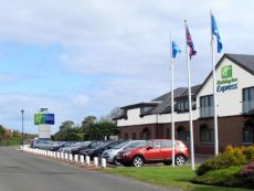 Holiday Inn Express Edinburgh Airport in Hamilton, United Kingdom