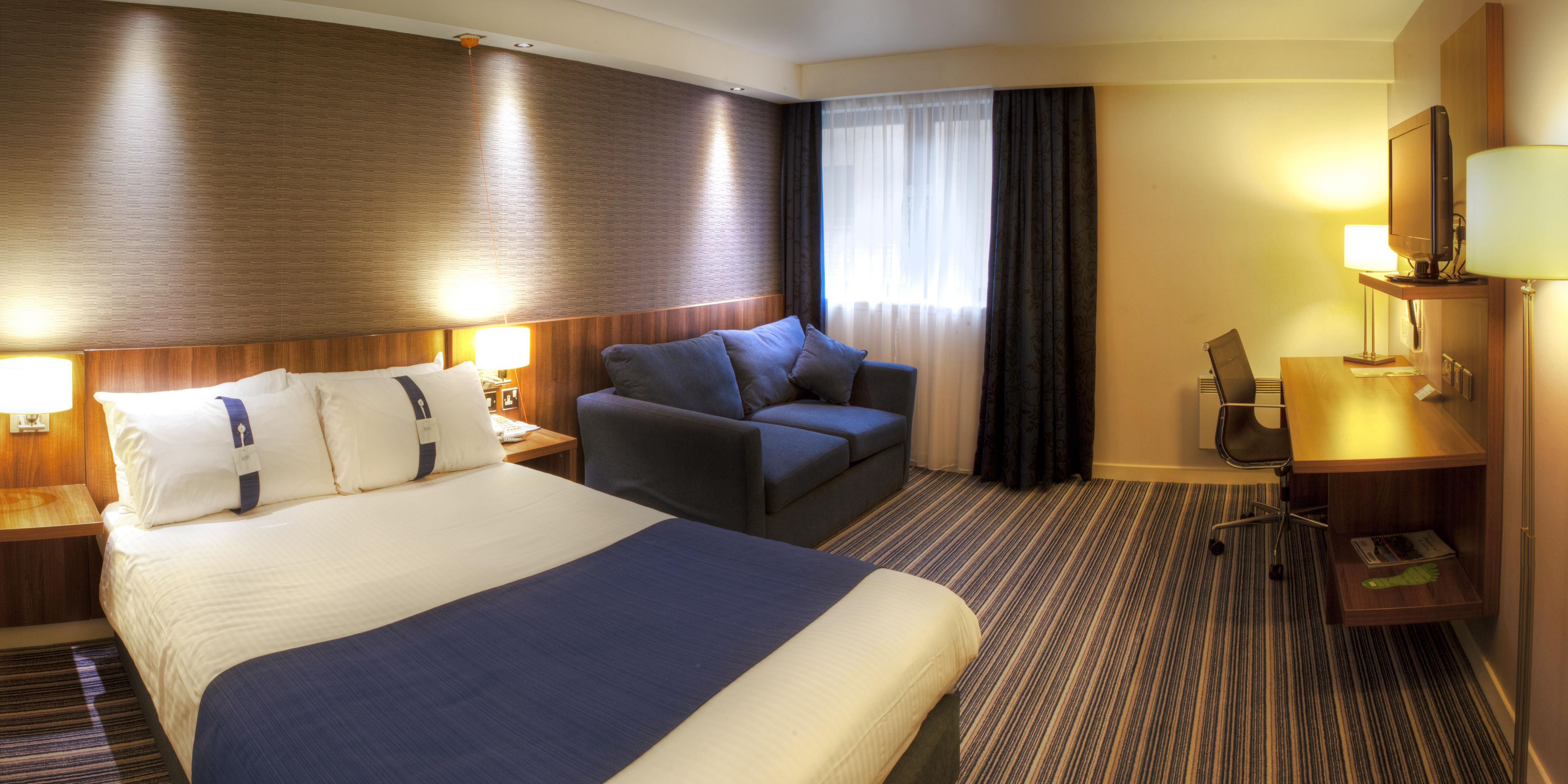 Holiday Inn Express Edinburgh 3345702792 2x1