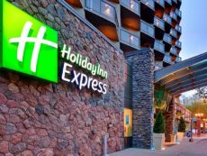Holiday Inn Express Edmonton Downtown in West Edmonton, Alberta