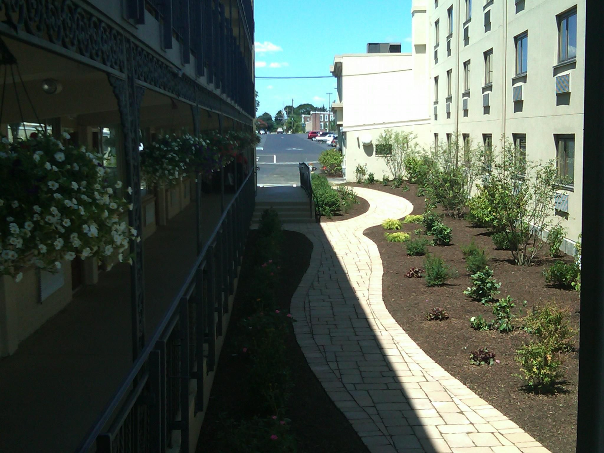 Holiday Inn Express Philadelphia Airport Courtyard