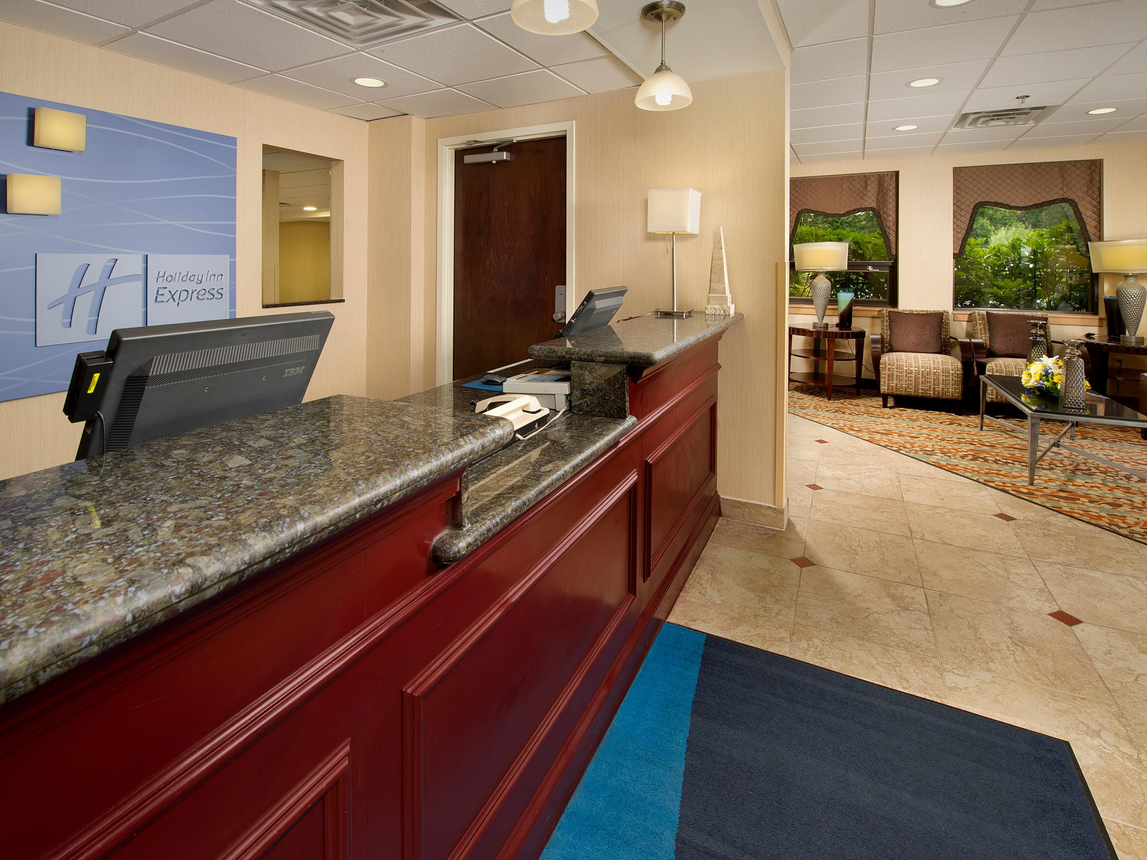 Welcome to the Holiday Inn Express Fairfax-Arlington Blvd!