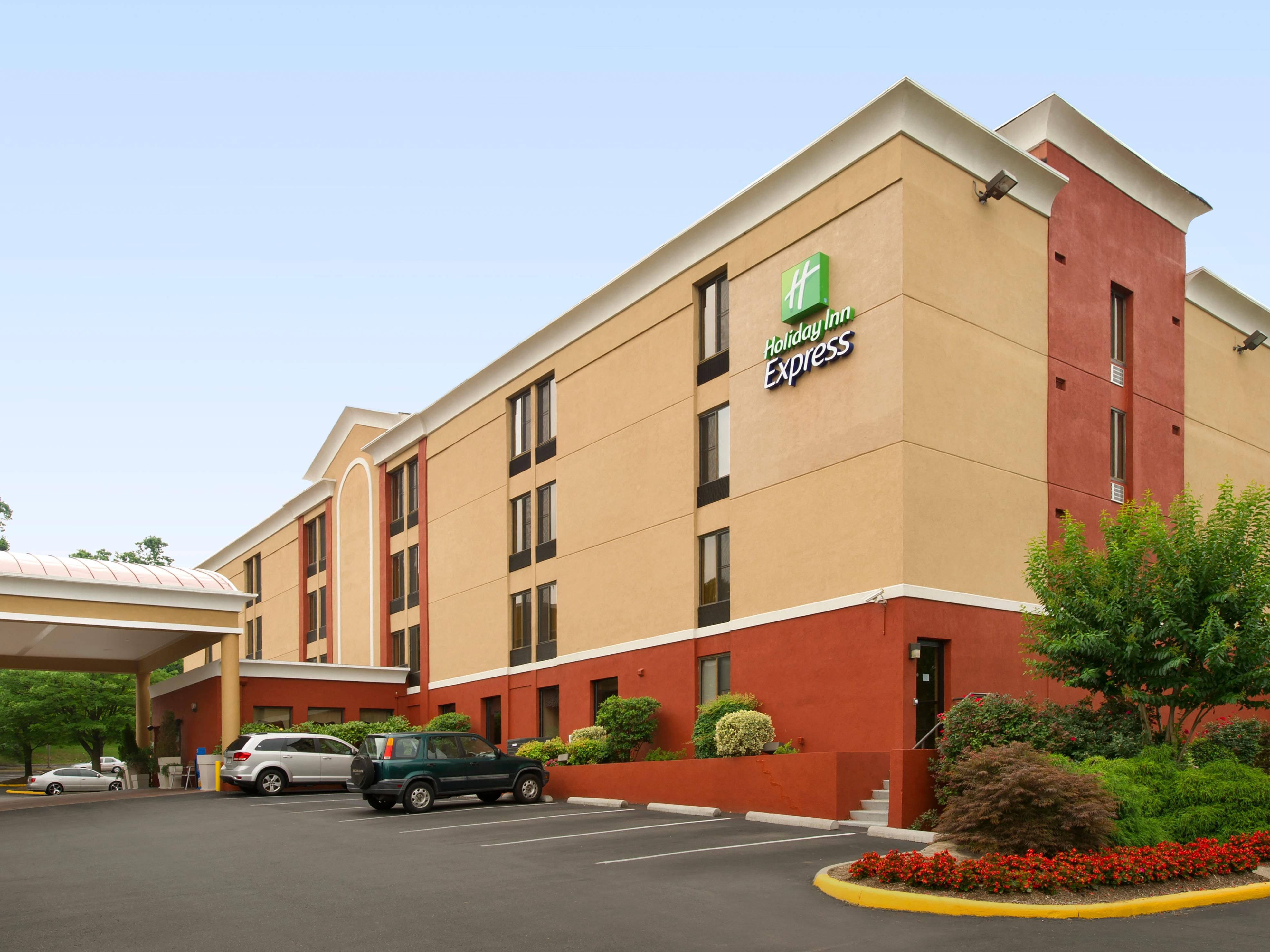 Welcome to the Holiday Inn Express Fairfax!