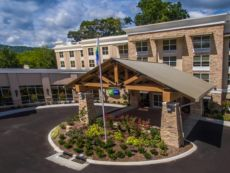 Holiday Inn Express Gatlinburg Downtown in Cherokee, North Carolina