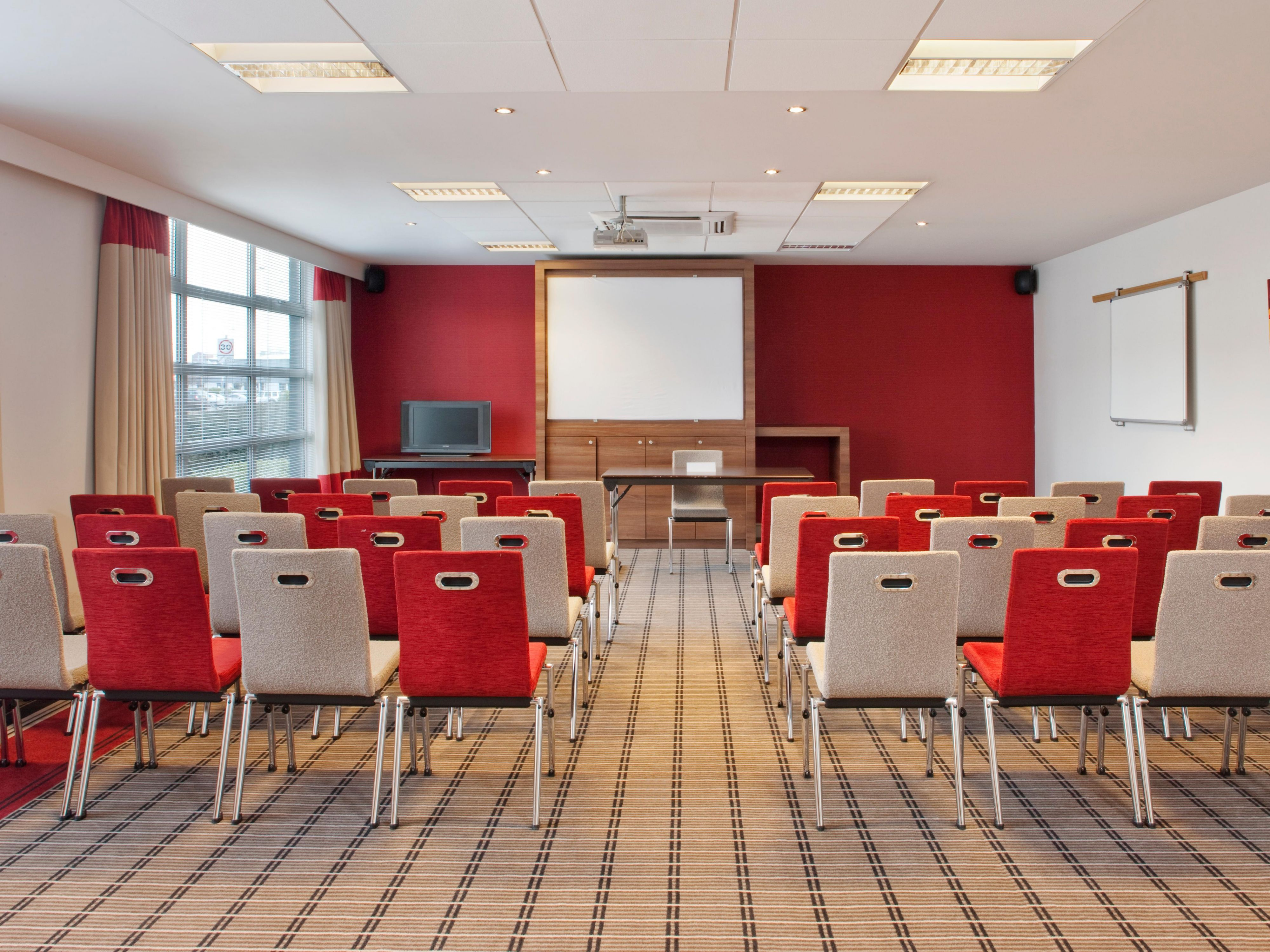 Meeting Rooms at the Holiday Inn Express Glasgow Airport hotel