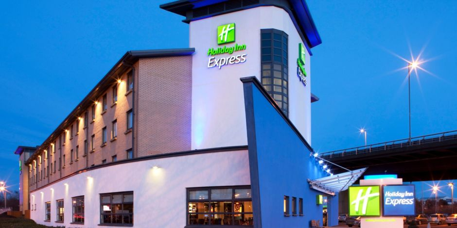 Hotel Exterieur Holiday Inn Express Glasgow Airport Is Ideal For A Pre Flight Stay