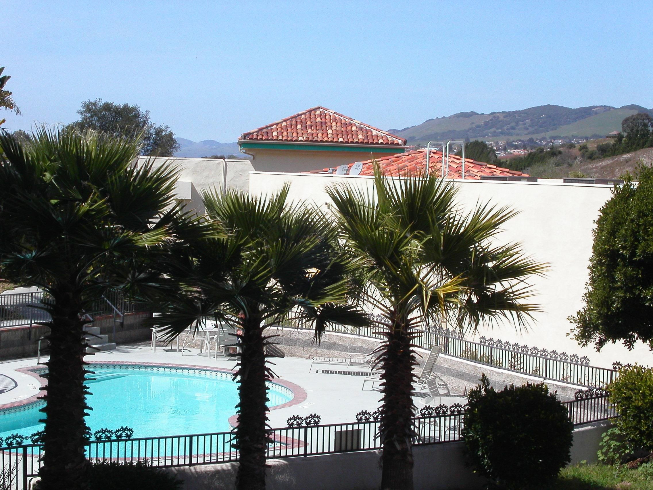 Pismo-Grover Beach Holiday Inn Express Swimming Pool