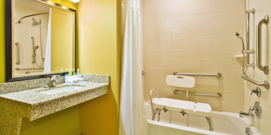 Ada Handiced Accessible Guest Bathroom With Mobility Tub