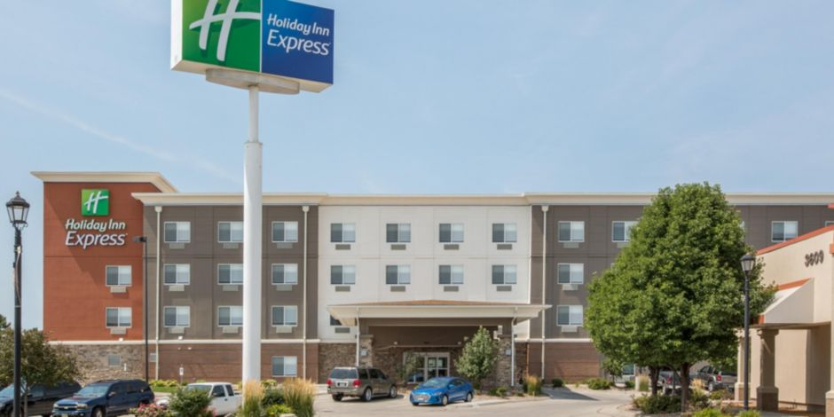 Ne Holiday Inn Express Located Next To Hastings Softball Complex