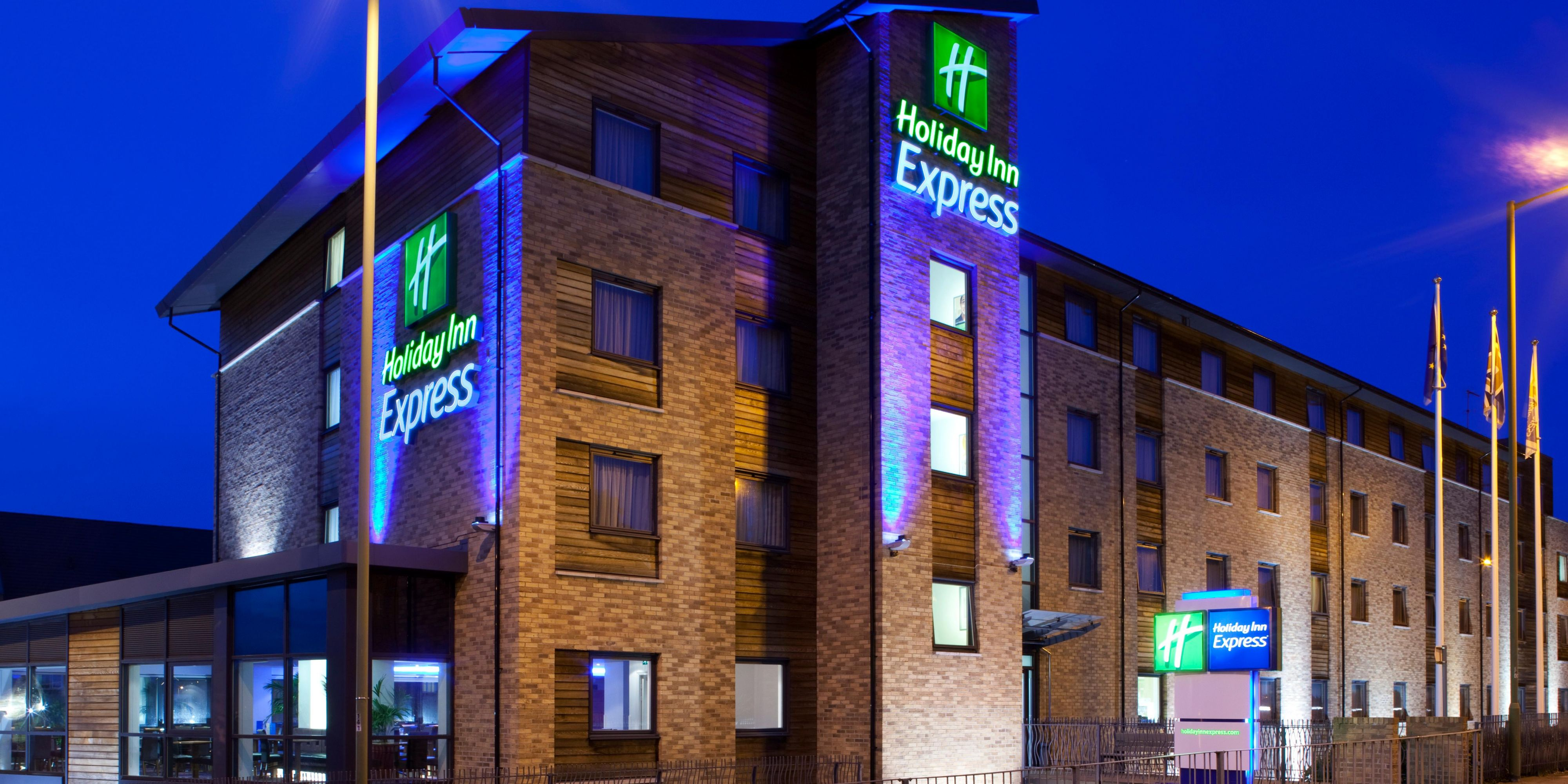https://ihg.scene7.com/is/image/ihg/holiday-inn-express-hemel-hempstead-2532036261-2x1