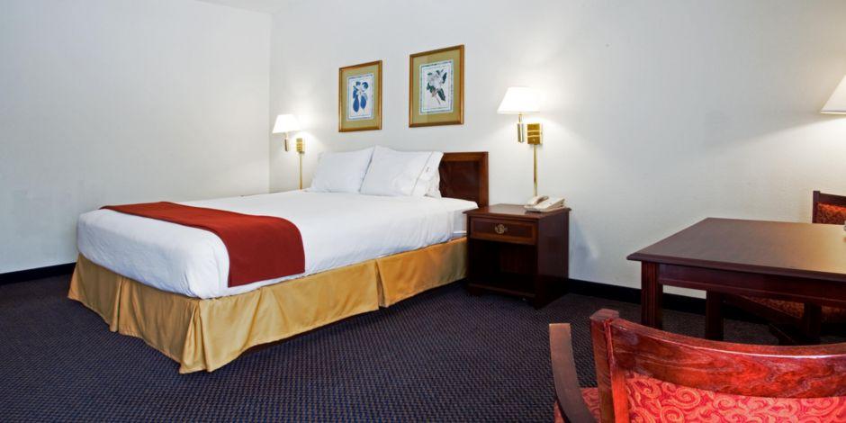 Holiday Inn Express Hillsborough Durham Area Hotel In By Ihg